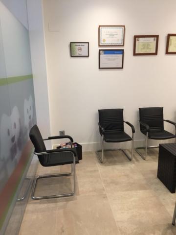 Sala de espera adultos - Clinica Ortodoncia Simarro